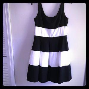 3 for $30 Ralph Lauren Dress Black White Size 6❤️